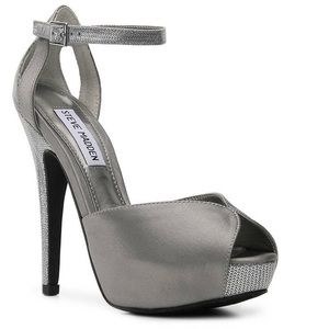 Steve Madden platform sandals silver fabric